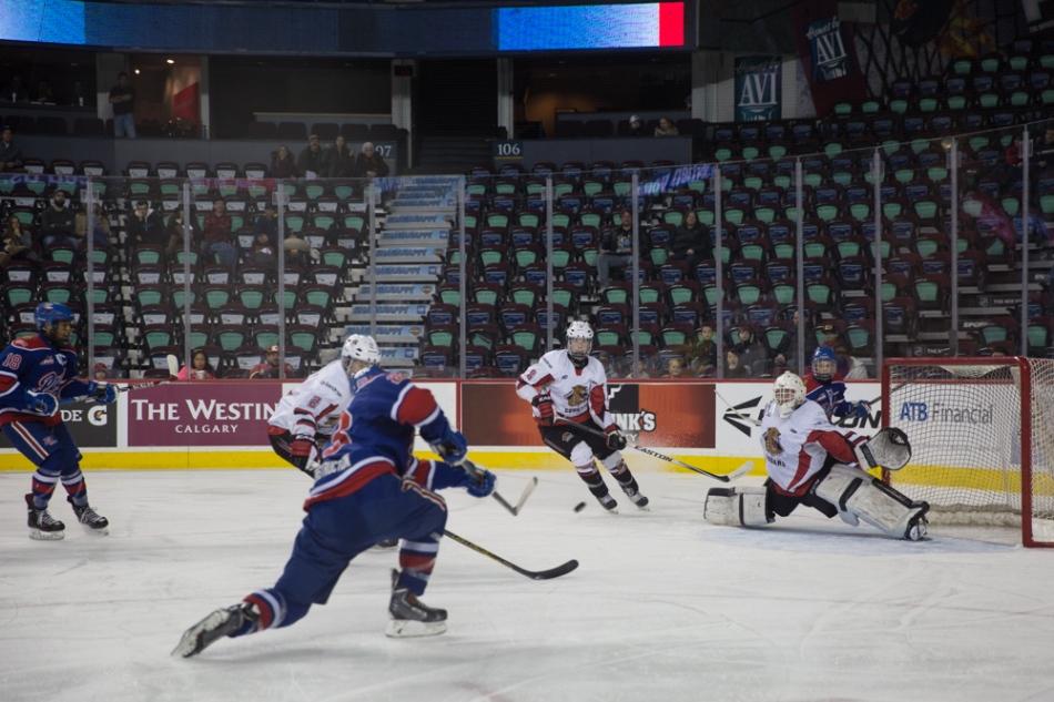 Owen Sillinger, Regina Pat Canadians makes it 1-1 © J. Ashley Nixon