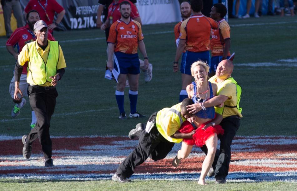 Rugby World Series 2015: Fiji 35 vs New Zealand 19