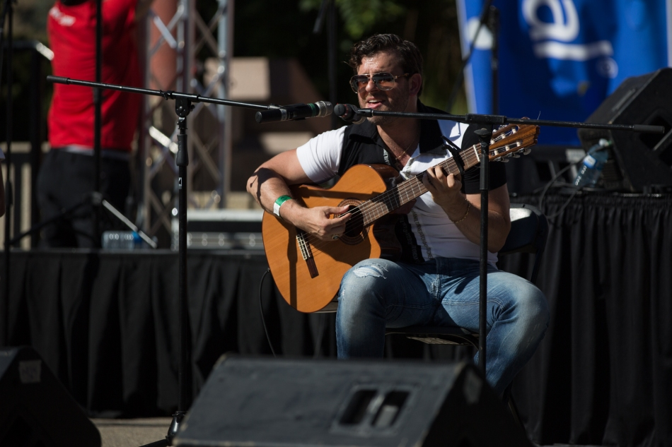 Felipe Alberto performing at Fiestaval Calgary © J. Ashley Nixon