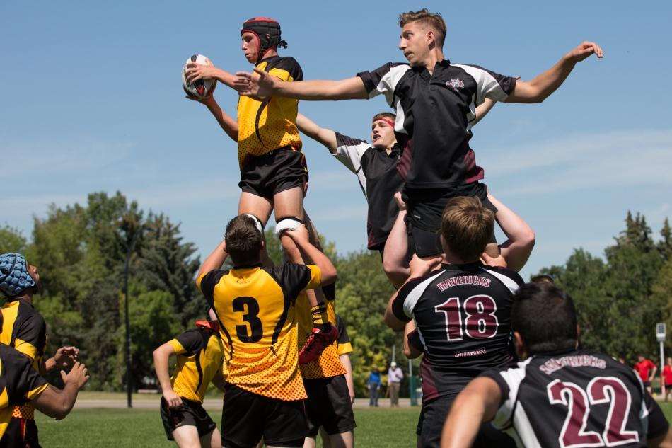 King Henry VIII School win a line-out against the Calgary Mavericks © J. Ashley Nixon