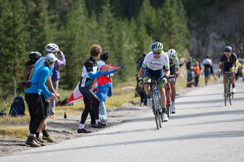 Sean Yates (Orica GreenEdge) hotly pursued by Bauke Mollema (Trek Factory Racing) and Tom-Jelte Slagter (Cannondale-Garmin) in the final 300 m of the race up to Marmot Basin. At the finish, Slagter won over Mollema and Yates by four seconds © J. Ashley Nixon