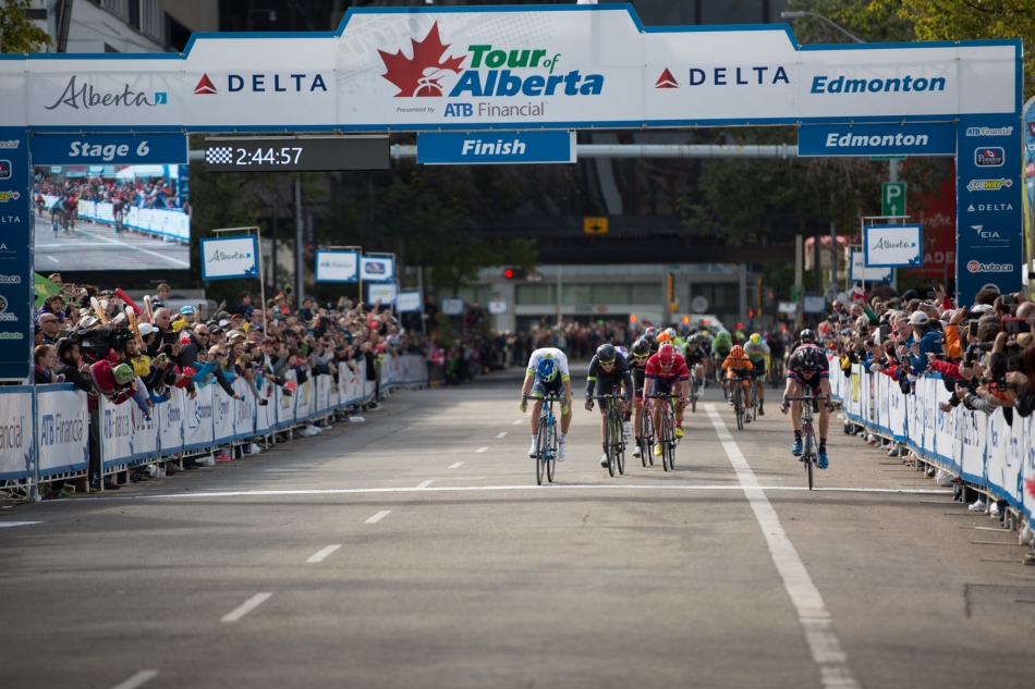 Nikias Arndt (Team Giant-Alpecin) wins the sprint finish, an inner tube width in front of Michael Matthews (Orica-GreenEdge). © J. Ashley Nixon