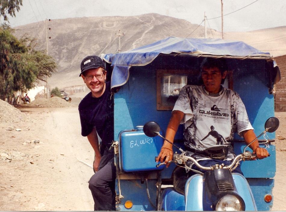 Riding a taxi cholo, south of Lima, Peru © Maricarmen Nixon