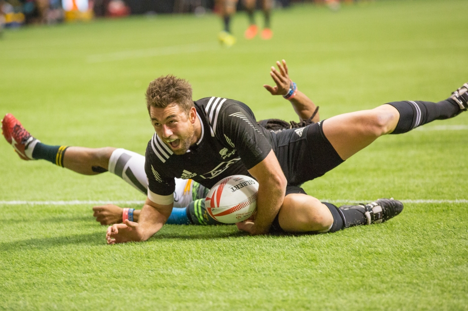 New Zealand 7s Kurt Baker scores their second try in the Cup Final of the HSBC Canada Sevens © J. Ashley Nixon