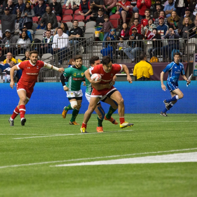 Nathan Hirayama on his way to the first of his three tries for Canada against Brazil in the HSBC Sevens tournament in Vancouver, Canada © J. Ashley Nixon